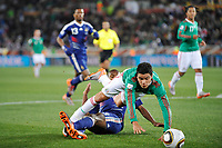 FOOTBALL - FIFA WORLD CUP 2010 - GROUP STAGE - GROUP A - FRANCE v MEXICO - 16/06/2010 - PHOTO GUY JEFFROY / DPPI - PENALTY PABLO BARRERA (MEX) / ERIC ABIDAL (FRA)