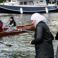 Nederland,Utrecht ,20 mei 2008..A.U.S.R.Orca (roeien) is een steeds professionaliserende vereniging die, o.a. allochtone leerlingen roeiles geeft..Rowing club Orca teaches immigrant students rowing.