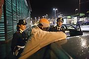 Torino, controlli ed interventi notturni della Polizia di Stato  operazione contro lo spaccio di droga in zona Porta Palazzo