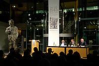 """08 MAY 2005, BERLIN/GERMANY:<br /> Veranstaltungsreihe """"Das Jahr 1945. Ende und Neubeginn"""", Lesungen, Filme, Fotoausstellung des Freundeskreises Willy-Brandt-Haus e.V., Atrium, Willy-Brandt-Haus<br /> IMAGE: 20050508-02-051"""