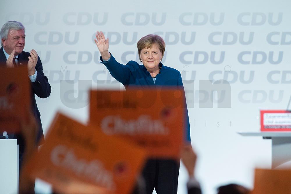 07 DEC 2018, HAMBURG/GERMANY:<br /> Angela Merkel, CDU, Bundeskanzlerin, nach Ihrer letzten Rede als Parteivorsitzende, CDU Bundesparteitag, Messe Hamburg<br /> IMAGE: 20181207-01<br /> KEYWORDS: party congress, Appluas, applaudiren, klatschen, Jubel