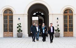03.11.2017, Palais Niederösterreich, Wien, AUT, Koalitionsverhandlungen von ÖVP und FPÖ anlässlich der Nationalratswahl 2017, im Bild v.l.n.r. FPÖ-Chef Heinz-Christian Strache, FPÖ Generalsekretär Herbert Kickl, Pressesprecher Martin Glier, Anneliese Kitzmüller und Norbert Nemeth // during coalition negotiations between the Austrian Peoples Party and Austrian Freedom Party due to general elections 2017 in Vienna, Austria on 2017/11/03, EXPA Pictures © 2017, PhotoCredit: EXPA/ Michael Gruber