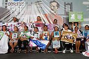 "Mothers from Central America who participate in the caravan ""Liberando la Esperanza"" speak in the International Book Fair in Mexico City on October 28th, 2012. (Photo: Prometeo Lucero)"