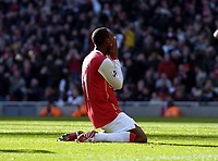 Photo: Olly Greenwood.<br />Arsenal v Blackburn Rovers. The FA Cup. 17/02/2007. Arsenal's Justin Hoyte can't believe he missed