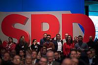 DEU, Deutschland, Germany, Berlin, 07.12.2017: Publikum und Delegierte vor Logo der SPD beim Bundesparteitag der SPD im CityCube.