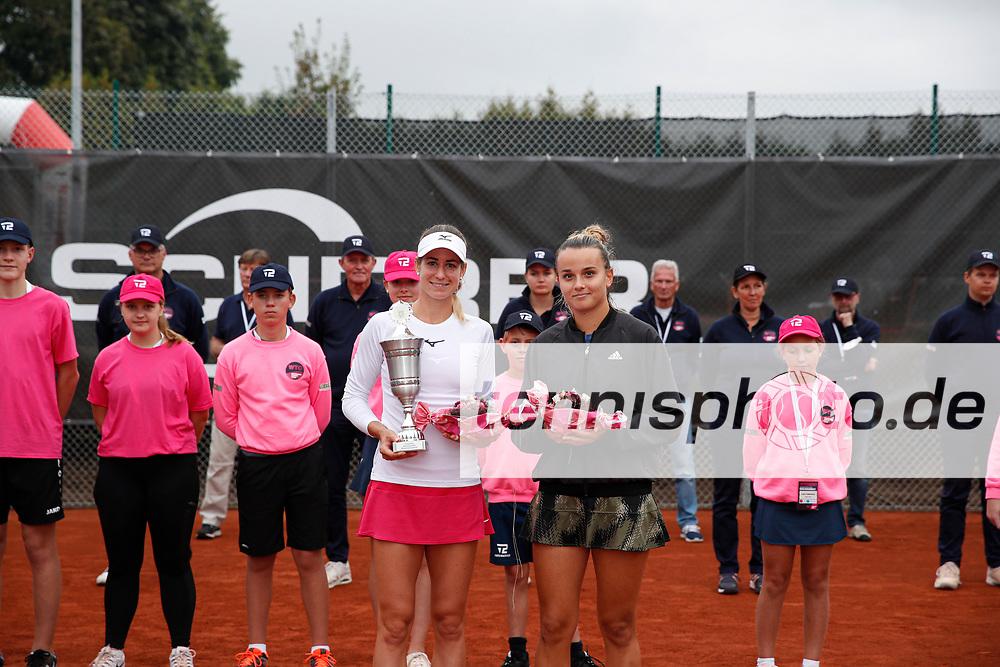 Anna Bondar (HUN), Clara Burel (FRA) - WTO Wiesbaden Tennis Open - ITF World Tennis Tour 80K, 26.9.2021, Wiesbaden (T2 Sport Health Club), Deutschland, Photo: Mathias Schulz