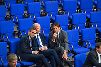 DEU, Deutschland, Germany, Berlin, 21.11.2018: V.l.n.r. Carsten Linnemann, stv. Vorsitzender der CDU/CSU-Bundestagsfraktion, Ralph Brinkhaus, CDU/CSU-Fraktionsvorsitzender, Andreas Jung, stv. Vorsitzender der CDU/CSU-Bundestagsfraktion, während einer Plenarsitzung im Deutschen Bundestag.