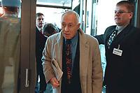 18 JAN 2000, BERLIN/GERMANY:<br /> Heiner Geißler, CDU, auf dem Weg zur Sitzung des CDU Bundesvorstandes in Verbindung mit der Parteispendenaffäre, Konrad-Adenauer-Stiftung<br /> Heiner Geissler, CDU, on his way to the meeting of the of the executive committee which will talk about the affair of secret donations to the CDU<br /> IMAGE: 20000118-01/01-21<br /> KEYWORDS: Parteispenden, Affäre