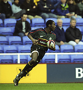 "Reading. England. UK. ""Exile's Wing"" Nnamdi EZULIKE, during the  Premiership Rugby. London Irish vs Gloucester Rugby. 16.04.2001. Madejski Stadium. <br /> <br /> [Mandatory Credit, Peter Spurrier/ Intersport Images]."