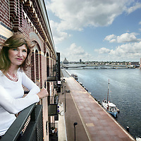 Nederland, Amsterdam, 13 augustus 2009..Prof. dr Annemieke J.M. Roobeek .Hoogleraar Strategie en Transformatimanagement, Universiteit Nyenrode .Directeur-eigenaar van MeetingMoreMind BVs en van Open Dialogue BV .Co-oprichter van BLU-BlueLifeUnlimited BV .Foto:Jean-Pierre Jans .Prof. dr Annemieke J.M. Roobeek, CEO and owner of MeetingMoreMind BVs en van Open Dialogue BV, professor of Nyenrode University.