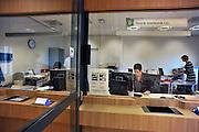 Nederland, Nijmegen, 12-12-2011Vandaag is het nieuwe gebouw Heelkunde van het UMC St Radboud in gebruik genomen. Onderdeel hiervan was de verhuizing van 200 patienten naar de nieuwbouw. Ook de nieuwe operatiekamers, intensive care afdeling en de SEH, spoedeisende hulp, werden gestart. Dit alles gebeurde met hulp van militairen van defensie. De operatie is zonder problemen voltooid.Foto: Flip Franssen