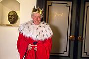 Viering van de tachtigste verjaardag van cabaretier Paul van Vliet in  Theater Carré, Amsterdam. Tijdens de eenmalige voorstelling Vandaag of morgen ter ere van zijn tachtigste verjaardag treedt Van Vliet op samen met collega-cabaretiers Youp van 't  Hek, Herman van Veen, Bert Visscher en Jochem Myjer.<br /> <br /> Op de foto:    Paul van Vliet
