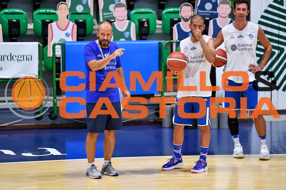 Demis Cavina, Massimo Chessa<br /> Allenamento Banco di Sardegna Dinamo Sassari<br /> LBA Legabasket Serie A 2021-2022<br /> Sassari, 12/08/2021<br /> Foto L.Canu / Ciamillo-Castoria