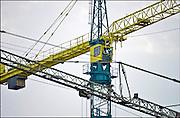 Nederland, Nijmegen, 26-11-2014Op een bouwplaats staan verschillende hijskranen.FOTO: FLIP FRANSSEN/ HOLLANDSE HOOGTE