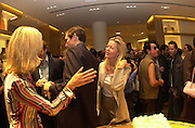 Mrs Leopoldo Zambeletti and Lady Helen Taylor. Burberry Bond St. Launch party. 21-23 New Bond St. London. In Support of the Sargent Cancer Care for Children. 7/9/00 © Copyright Photograph by Dafydd Jones 66 Stockwell Park Rd. London SW9 0DA Tel 020 7733 0108 www.dafjones.com