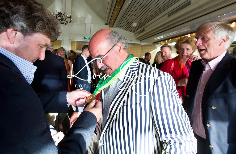 SCHEVENINGEN  (Den Haag) - Johan Wakkie (r) met Ties Kruize . COPYRIGHT KOEN SUYK