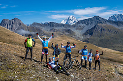 15-09-2017 ITA: BvdGF Tour du Mont Blanc day 6, Courmayeur <br /> We starten met een dalende tendens waarbij veel uitdagende paden worden verreden. Om op het dak van deze Tour te komen, de Grand Col Ferret 2537 m., staat ons een pittige klim (lopend) te wachten. Na een welverdiende afdaling bereiken we het Italiaanse bergstadje Courmayeur. Team Yellow