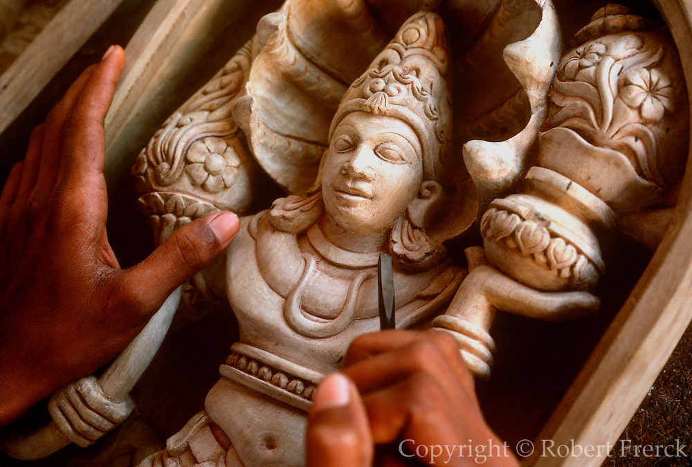 SRI LANKA, CRAFTS,  Ambalangoda, Hindu craftsman carving