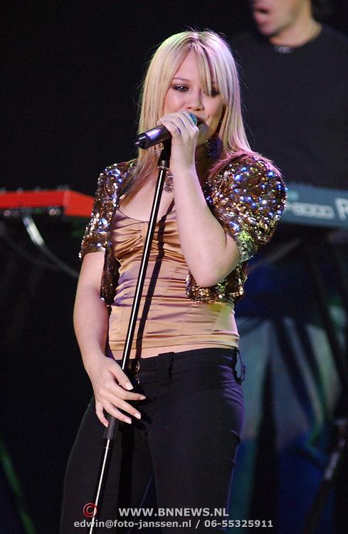 TMF awards 2004, Hillary Duff