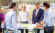 Koning Willem Alexander brengt een werkbezoek aan  informatietechnologiebedrijf IBM in het kader van digitalisering aan de regio Amsterdam, 'Digital Gateway to Europe'.