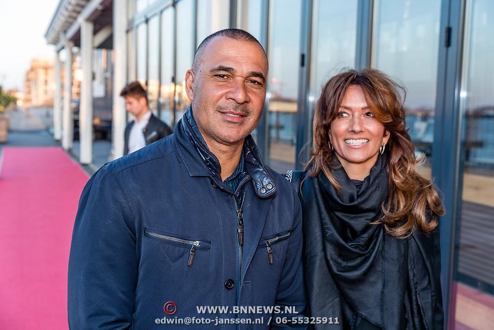 NLD/Amsterdam/20170324 - Uitreiking 2de editie XXXL Magazine, Ruud Gullit, partner Karin de Rooij