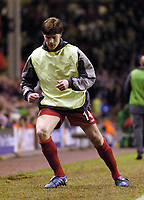 Fotball<br /> Champions League 2004/05<br /> Liverpool v Juventus<br /> 5. april 2005<br /> Foto: Digitalsport<br /> NORWAY ONLY<br /> The sight of Xabi Alonso warming up down the touchline will have given Liverpool fans for optimism despite conceding an away goal