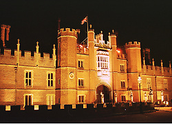 HAMPTON COURT PALACE, East Molsey, Surrey in November 1998.<br /> MLX 103