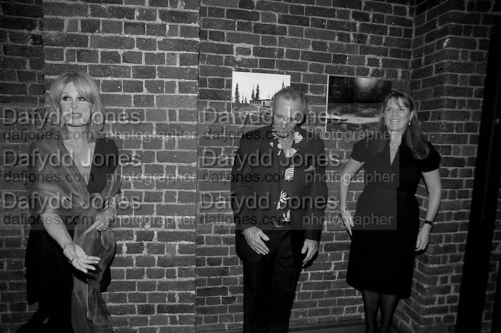 JOANNA LUMLEY; MARK SHAND; SARAH THE DUCHESS OF YORK, The launch party for Elephant Parade hosted at the house of  Jan Mol. Covent Garden. London. 23 June 2009.
