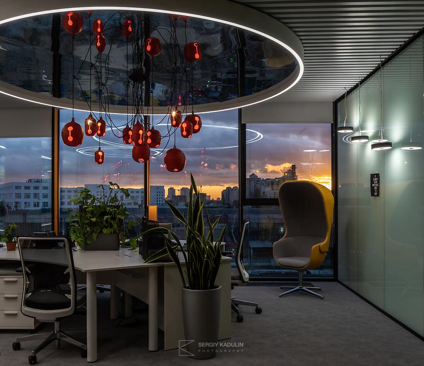 Интерьерная фотосъемка офиса в UNIT.City. Дизайн интерьера: Sergey Makhno Architects. Киев, 2019.