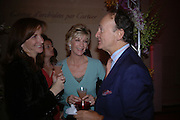 Susan Singer, Baroness Bee van Zuylen and Christophe Gollut. Cartier party to celebrate the Blooming of a precious jewel. the Orangery. Kensington Palace. London.  25 October 2005. October 2005. ONE TIME USE ONLY - DO NOT ARCHIVE © Copyright Photograph by Dafydd Jones 66 Stockwell Park Rd. London SW9 0DA Tel 020 7733 0108 www.dafjones.com