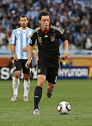 03.07.2010, CAPE TOWN, SOUTH AFRICA,   Mesut Oezil of Germany on the attack during the Quarter Final, 59 of the 2010 FIFA World Cup, Argentina vs Germany held at the Cape Town Stadium EXPA Pictures © 2010, PhotoCredit: EXPA/ nph/  Kokenge