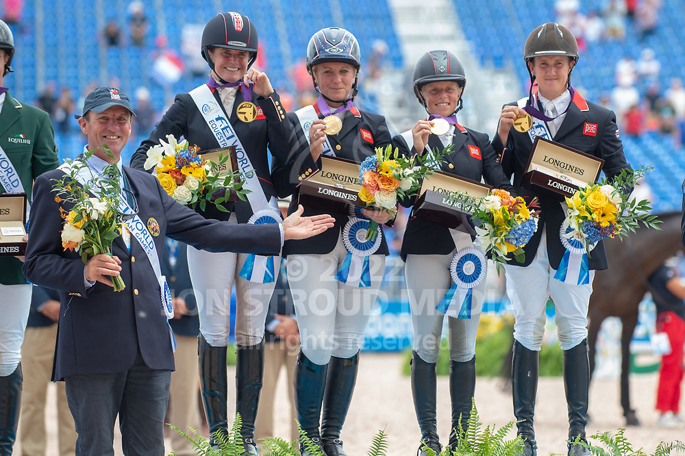 Great Britain, eventing team gold medalists (L-R) Richard Waygood (chef d'equipe)  Piggy French, Gemma Tattersall, Rosalind Canter and Tom McEwen. - FEI World Equestrian Games™ Tryon 2018 - Tryon, North Carolina, USA - 17 September 2018