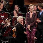 NLD/Haarlem/20121002- Opname AVRO's programma Maestro, presentator Frits Sissing en Tanja Jess