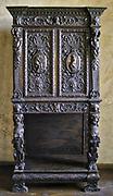 Jeden ze śląskich mebli sprowadzonych dla dekoracji wnętrz zamkowych