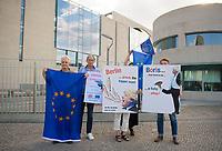 DEU, Deutschland, Germany, Berlin, 21.08.2019: Proeuropäische Exilbriten protestieren vor dem Kanzleramt gegen den Empfang des Premierministers von Großbritannien, Boris Johnson, im Bundeskanzleramt.