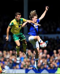 Everton's Tom Davies challenges Gary O'Neil of Norwich City  - Mandatory byline: Matt McNulty/JMP - 15/05/2016 - FOOTBALL - Goodison Park - Liverpool, England - Everton v Norwich City - Barclays Premier League