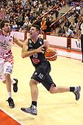 DESCRIZIONE : Campionato 2015/16 Giorgio Tesi Group Pistoia - Pasta Reggia Caserta<br /> GIOCATORE : Cinciarini Daniele<br /> CATEGORIA : Penetrazione <br /> SQUADRA : Pasta Reggia Caserta<br /> EVENTO : LegaBasket Serie A Beko 2015/2016<br /> GARA : Giorgio Tesi Group Pistoia - Pasta Reggia Caserta<br /> DATA : 15/11/2015<br /> SPORT : Pallacanestro <br /> AUTORE : Agenzia Ciamillo-Castoria/S.D'Errico<br /> Galleria : LegaBasket Serie A Beko 2015/2016<br /> Fotonotizia : Campionato 2015/16 Giorgio Tesi Group Pistoia - Pasta Reggia Caserta<br /> Predefinita :