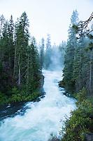Benham Falls on the Middle Deschutes River. Bend, Oregon