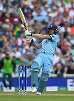 Cricket - 2019 ICC Cricket World Cup - Group Stage: England vs. South Africa<br /> <br /> England's Ben Stokes pulls for 4, at The Kia Oval.<br /> <br /> COLORSPORT/ASHLEY WESTERN