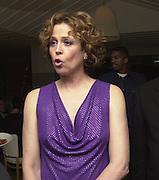 Sigourney Weaver. Talk pre-Golden Globes party. Mondrian Hotel. 20 January 2001. © Copyright Photograph by Dafydd Jones 66 Stockwell Park Rd. London SW9 0DA Tel 020 7733 0108 www.dafjones.com