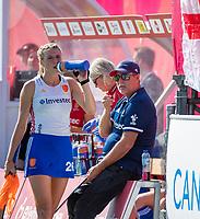 ANTWERP - BELFIUS EUROHOCKEY Championship.  women  England v Belarus (4-3) . coach Mark Hager (Eng) with Lily Owsley (Eng) . WSP/ KOEN SUYK