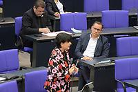 DEU, Deutschland, Germany, Berlin, 24.02.2021: Christine Aschenberg-Dugnus (FDP) und AfD-Parteichef Tino Chrupalla (AfD) bei der Regierungsbefragung in der Plenarsitzung im Deutschen Bundestag.