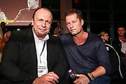 Boxen: German Boxing Edition, Hamburg, 21.12.2019<br /> Promi-Koch und Box-Manager Michael Wollenberg (l.) und Schauspieler Till Schweiger<br /> © Torsten Helmke