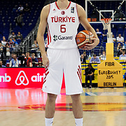 Turkey's and Iceland's during their FIBA EuroBasket 2015 Group B match Turkey betwen Iceland at the Mercedes-Benz-Arena in Berlin, Germany, September 10, 2015. Photo by Aykut AKICI/TURKPIX