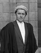 An Tanaiste Called To The Bar.  (P2)..1981..16.11.1981..11.16.1981..16th November 1981..An Tanaiste, Mr Michael O'Leary TD was called to the Bar at The Supreme Court in Dublin today..Portarit of An Tanaiste, Mr Michael O'Leary after he was Called to the Bar at the Supreme Court in Dublin.