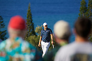 January 10 2016: Jordan Spieth through the crowd during the Final Round of the Hyundai Tournament of Champions at Kapalua Plantation Course on Maui, HI. (Photo by Aric Becker)
