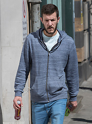 © Licensed to London News Pictures. 17/07/2017. London, UK. Chris Gard arrives at Great Ormond Street hospital ahead of US Doctor Michio Hirano who is expected to examine ill toddler Charlie Gard. The parents of terminally ill Charlie Gard returned to the High Court last week in light of new evidence relating to potential treatment for their son's condition. An earlier lengthy legal battle ruled that Charlie could not be taken to the US for experimental treatment. London, UK. Photo credit: London News Pictures