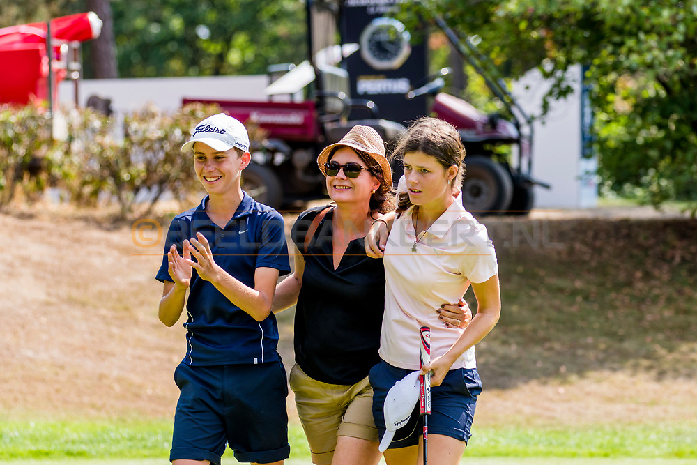 21-07-2018 Pictures of the final day of the Zwitserleven Dutch Junior Open at the Toxandria Golf Club in The Netherlands.21-07-2018 Pictures of the final day of the Zwitserleven Dutch Junior Open at the Toxandria Golf Club in The Netherlands.  Caddie Wes enjoying the victory of SOHIER, Anouk (NL)