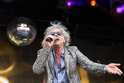 © Licensed to London News Pictures . 09/08/2015 . Siddington , UK . BOB GELDOFF . THE BOOM TOWN RATS perform . The Rewind Festival of 1980s music , fashion and culture at Capesthorne Hall in Macclesfield . Photo credit: Joel Goodman/LNP