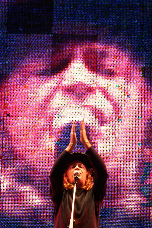 Sao Paulo_MG, Brasil...Show de Alceu Valenca na comemoracao do dia do trabalhador na avenida Paulista...The Alceu Valenca show in the labor day celebration in the Paulista avenue...Foto: LEO DRUMOND / NITRO